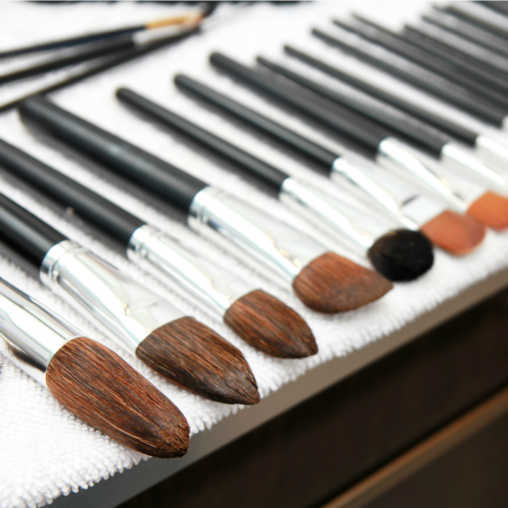 How to Clean Your Makeup Brushes and How Often to Clean Them