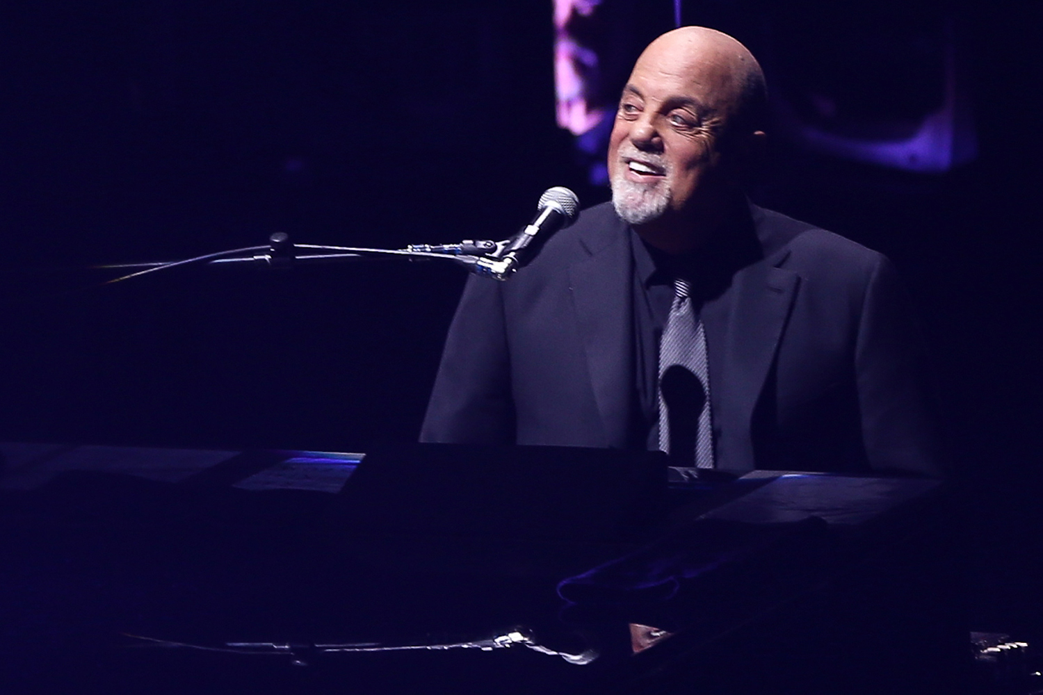 Billy Joel Performs The Beatles
