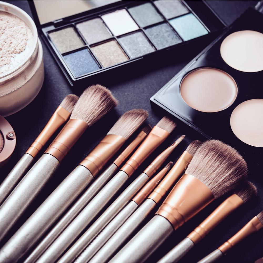 Makeup Artist Gives You Her Summer Favourites